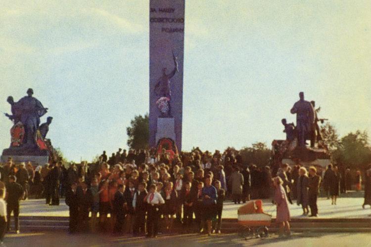 """17 сентября 1966 г. © Фото О. Сизова с открытки из серии """"Советская Россия"""""""