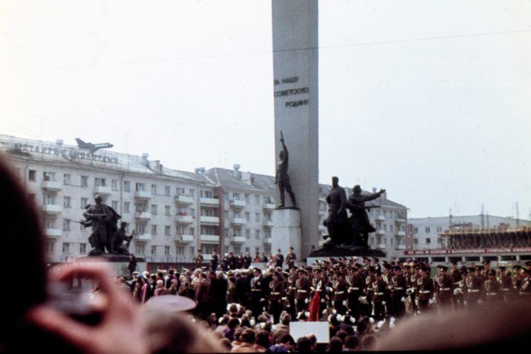 Площадь Партизан 9 мая 1982 г. © фото Ю. Кащеева